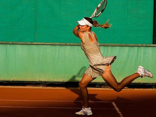 comment-bien-tenir-raquette-tennis